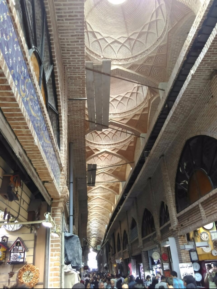 Who needs ugly malls when you have bazaars like this (Teheran)